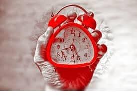 אימון לזוגיות קשר רציני ופרדוקס הזמנים
