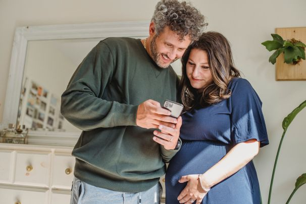 איך להתגבר על משבר הילד הראשון בזוגיות באמצעות ברית הורית